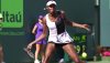 Venus Williams Weathers Wozniak to Reach Fourth Round